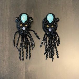 Very chic, luxe chandelier earrings